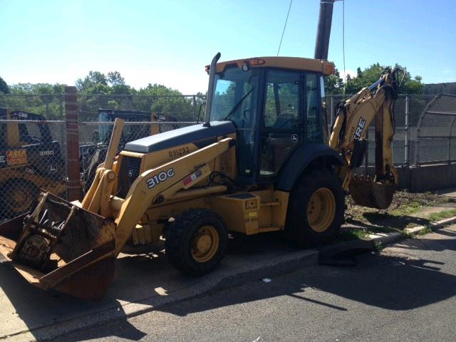 Where to find BACKHOE, DEERE 310 EXTENDAHOE   4WD in